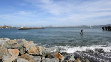 波打ち際からの景色